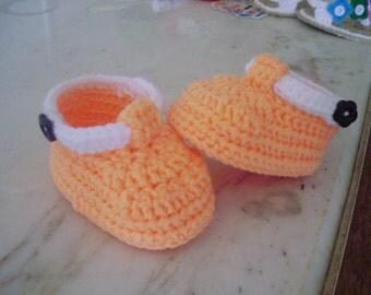 Handmade crochet newborn baby shoes 0-6 months