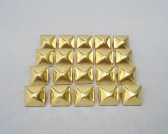 SALE 100 Gold Half Inch (12mm) Pyramid Studs