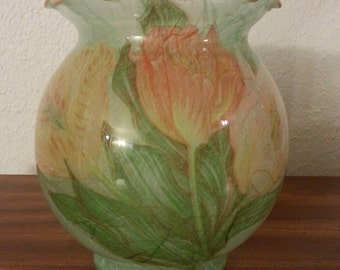 Pretty Green Floral Bulb Shaped Vase