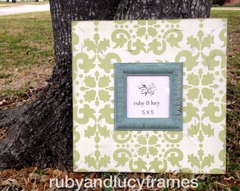 distressed 5x5 jaipur damask frame --soft green & heirloom white with robins egg oval trim