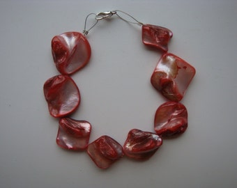 Red mother of pearl bracelet