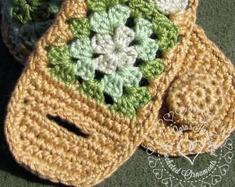 Mini Granny Square Bracelet