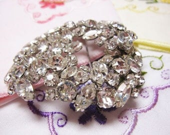 Vintage, Retro,.Hollywood Regency  Flower brooch by the Art Company -  Glitz and Glamor Piece - Estate Find!