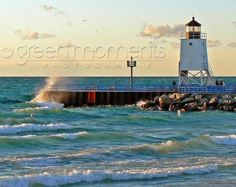 """Photograph of waves splashing into lighthouse pier at Charlevoix, Michigan (5"""" x 7"""")"""