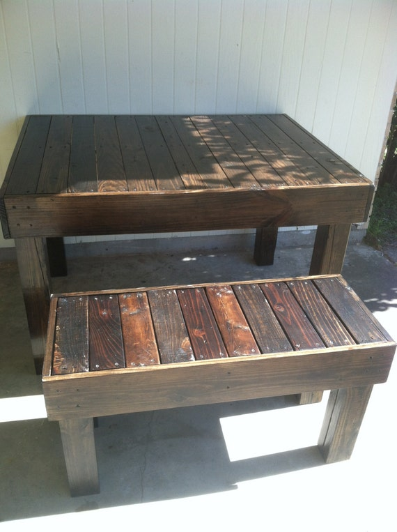 Reclaimed Wood Pallet Occasional Dining Bench Louisiana