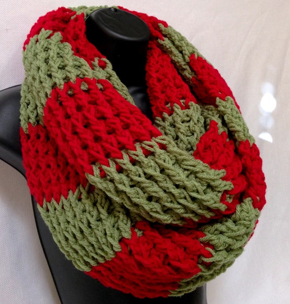 Chunky Crochet Infinity/ Circle/ Round Scarf. by Africancrab
