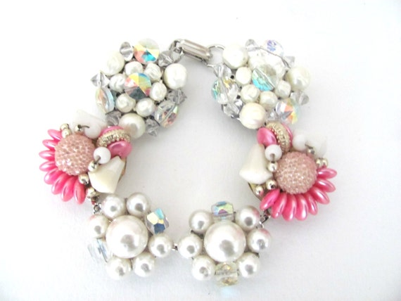 Upcycled Pearl Bracelet, Vintage Clip On Earring Bracelet, Pink, Pearls Beaded Bracelet