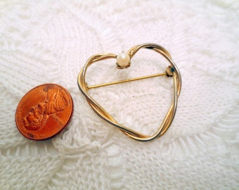 Vintage Heart Brooch, Designer Signed Corocraft Pin, gold tone and glass pearl, marked 12K GF, Gold filled vintage jewellery