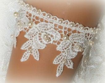 Ivory Venice Lace Bridal Bracelet / Wedding Lace Bracelet / Bridal Wrist Cuff