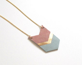 long leather necklace in  rose/ gold / jade