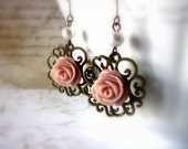 Flowers earrings Vintage Antique Romantic Pink roses dangles Round filigree floral earrings Dusty pink and bronze - Roses are pink