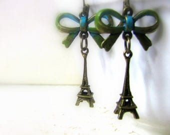 Paris Earrings Vintage Antique bronze Eiffel tower Verdigris patina Bows Dainty Long Dangles Patina earrings Gift for her
