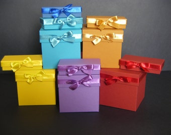 Cute handmade paper gift boxes with a ribbon (different collor. different size)