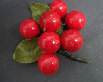 Marvelous 40s - 50s  Brooch or Corsage Bunch of Red Cherries