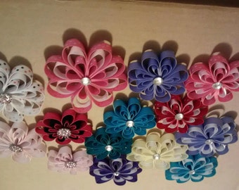 Loopy flower clips