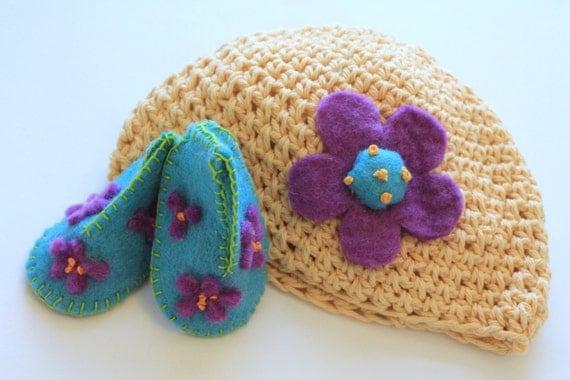 Baby Accessories, Booties and Crochet Hat, Wool Felt Booties, Cotton Crochet Baby Hat, Daisy, Violets, Gift Set, Newborns, New Mom Baby Set