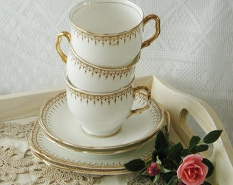 Vintage Royal Albert Renown 1920s teacup, saucer and side plate trio. Art deco. TT029