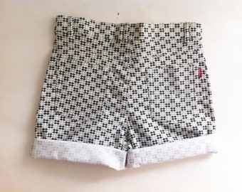 Women's high waisted printed shorts