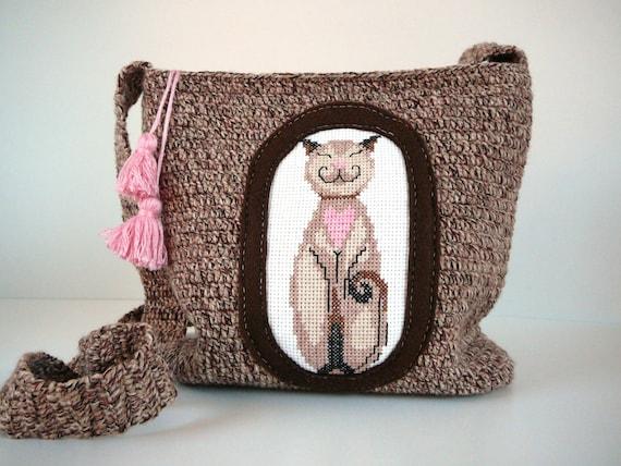 Cute crochet brown shoulder bag with cross stitch cat applique