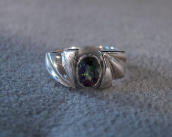 Vintage Sterling Silver Oval Mystic Topaz  Bold Ribbed  Fancy Wedding Band Ring, Size 6.5