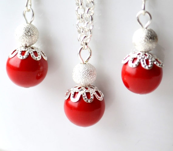 Red and silver Bridesmaid jewelry Set Red Bridesmaid party Wedding jewelry Pearl necklace and earrings Bridesmaid gift Winter wedding
