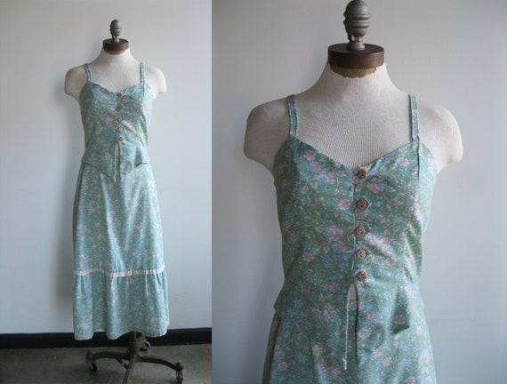 1970s/1980s Women's Green and Pink Floral Prairie Skirt and Crop Top with Lace Set Two Piece like Gunne Sax