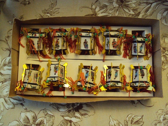 Vintage Set Of 10 Chinese Lantern Christmas Tree Party String