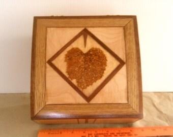 Mulberry leaf box