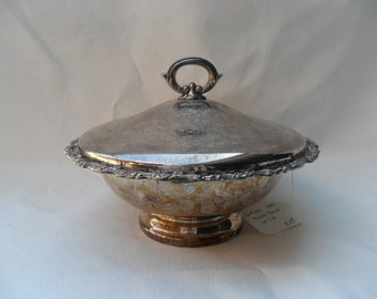 Vintage Wm A Rogers silverplate serving dish