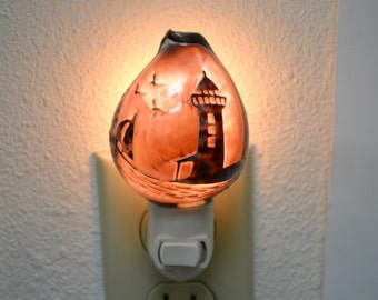 Hand Carved Purple COWRIE Shell LIGHTHOUSE NIGHTLIGHT Kitchen Bathroom