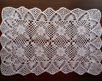 "Vintage Crocheted Doily 11"" x 18"""