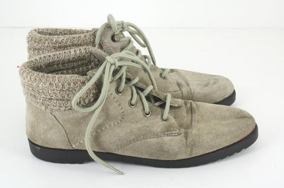 Beige Suede Boots // Women's Vintage Chukka Shoes Size 6.5 US/37 Eur/4 UK // Ankle Grunge 80s 90s Opening Ceremony Urban Outfitters Leather