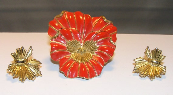 TRIFARI Bright Red Enameled Flower Brooch (Pansy) w/ Matching Earrings