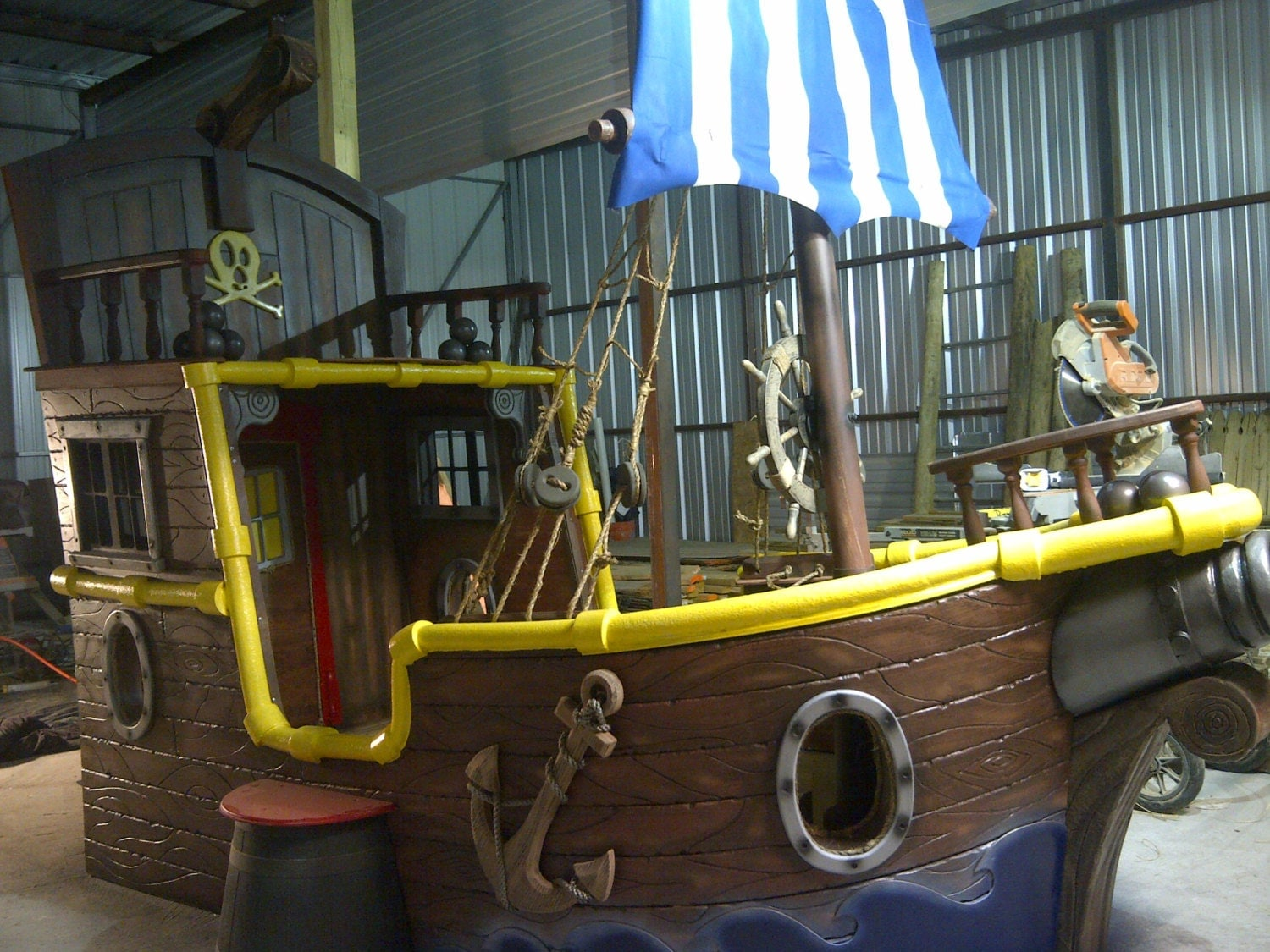 Jake and the neverland pirates custom bed for Rooms to go kids sale