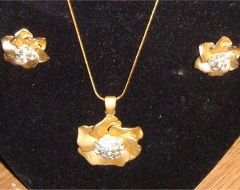 Vintage Golden Flower Pendant  and matching Earrings
