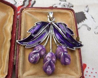 Vintage style purple flower pendant      18