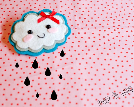 Cute kawaii brooch / Adorable felt fluffy cloud handmade pin / Kitsch unique accessory by Pop and Moo.
