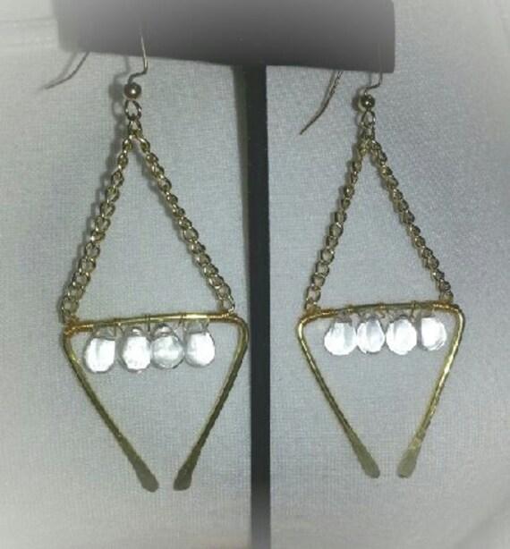 Hammered gold chain glass drop Eaton ha