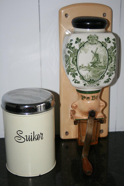 Pede wand koffiemolen met groen molenmotief door homiarticles