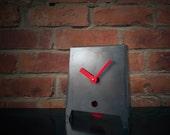 Acero - Steel Mantle / Desk Clock