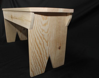 3/4 Inch Pine Bench with angled corners