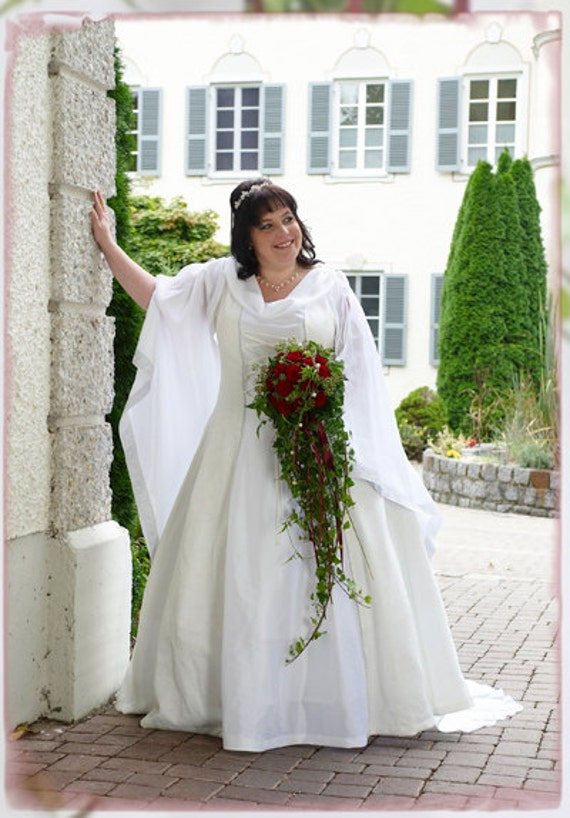 plus size medieval wedding dress
