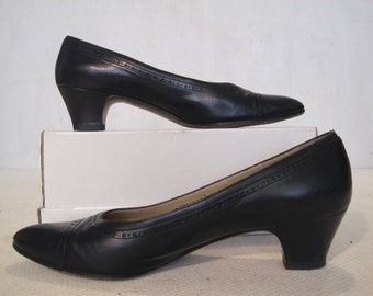 Woman's Shoes Salvatore Ferragamo Size 8.5AAAA Black Vintage