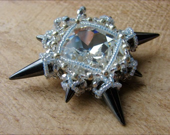 Star of Kallista, bead weave pattern for a pendant with swarovski, spike beads and seed beads