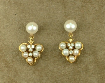 Gold Hanging Earrings with White Pearls and Zircons
