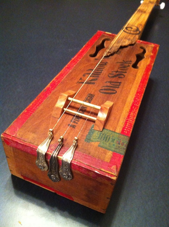 cigar box guitar kildows vintage box barnwood by frontporchblues. Black Bedroom Furniture Sets. Home Design Ideas
