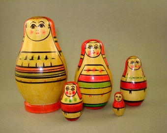 Vintage old set of 5 Russian Soviet Nesting Dolls from Mordva region