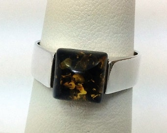 Sterling silver and Amber ring. Size 6 1/4
