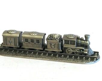 The Thimble Train Set  Four Pewter Collectible Thimbles