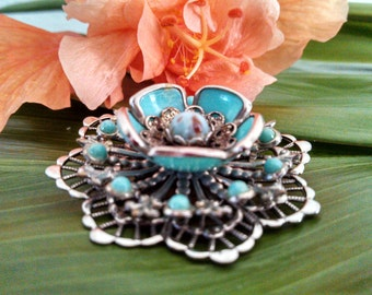 Spectacular Vintage Silver Turquoise Brooch